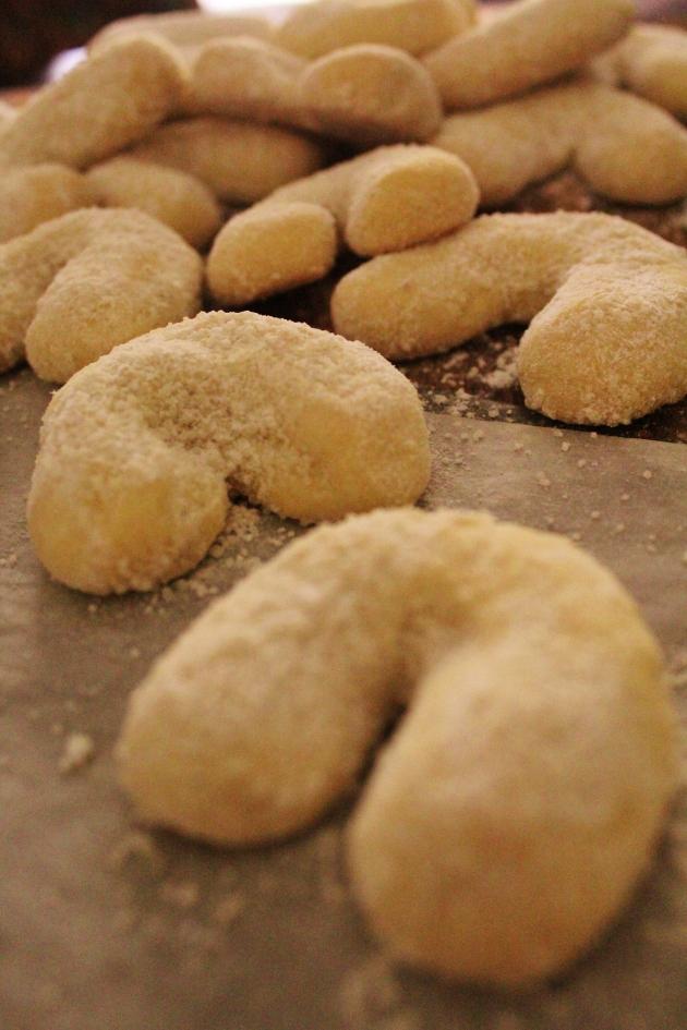 viennese almond crescents